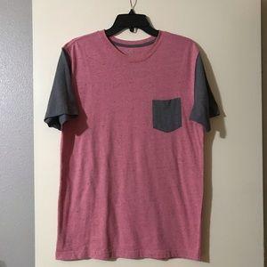 Men's pink and gray T-shirt size medium